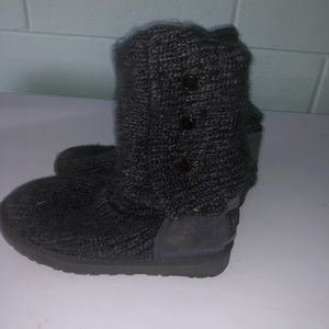 UGG KNIT GRAY BUTTON BOOTS